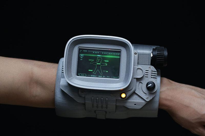 3D-printed-Pipboy-3000