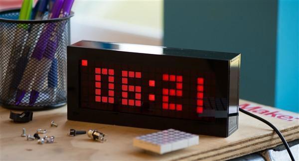 Solder-Time-Desk-Clock-Kit